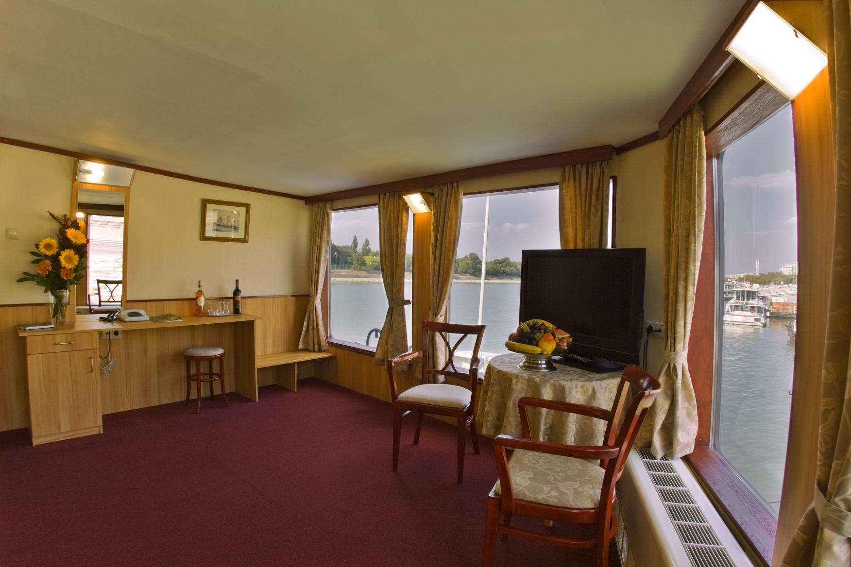tendencia Boteles: fortuna boat hotel budapest