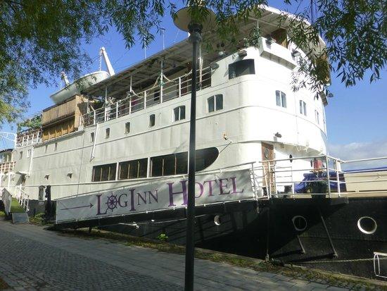 4 loginn-hotel